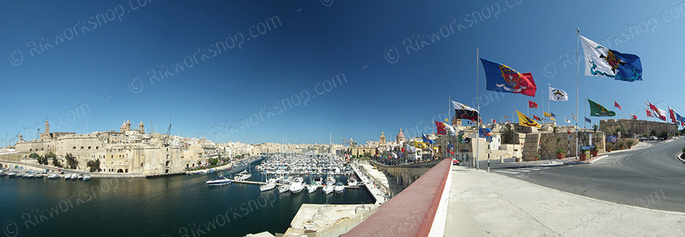 Birgu – Flags proudly waving during town feast (Ref: pfm110002)