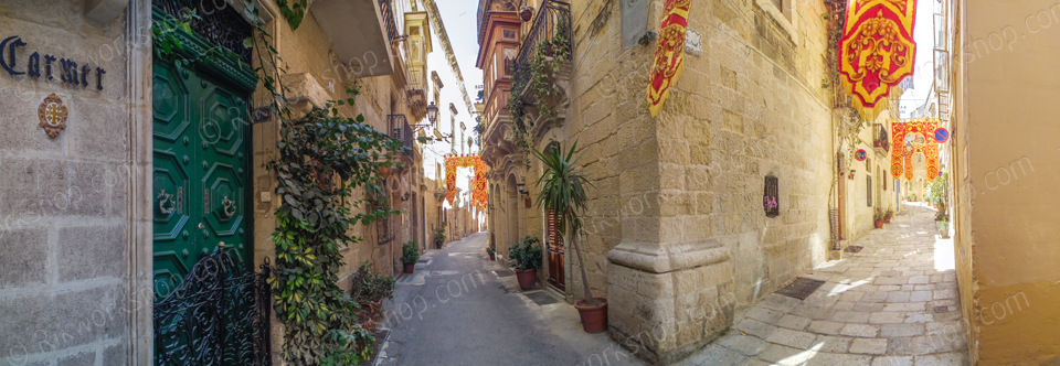 Birgu – Narrow Streets During Festa Time (Ref: pfm110012)