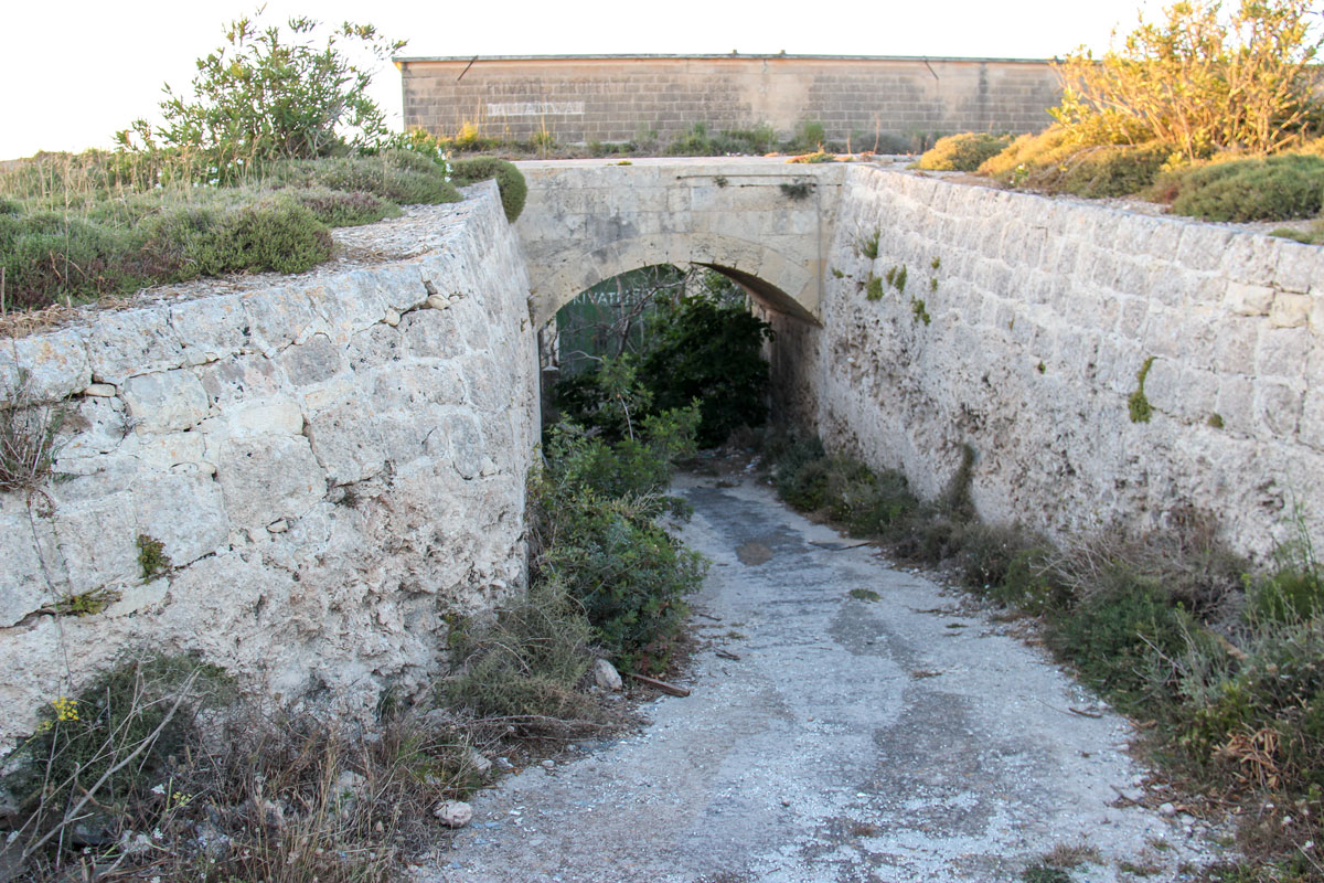 The main entrance to Fort Bingemma.